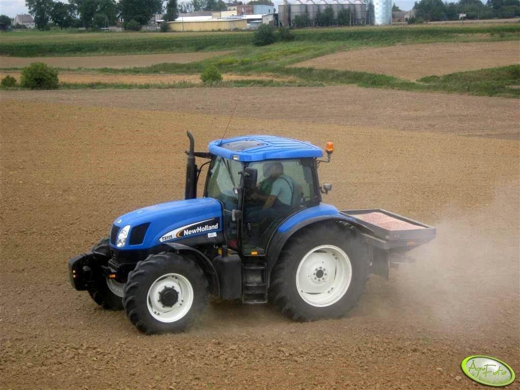 New Holland TS 115A + Bogballe DZ 500 Trend