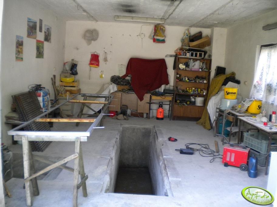 Garaż w trakcie remontu