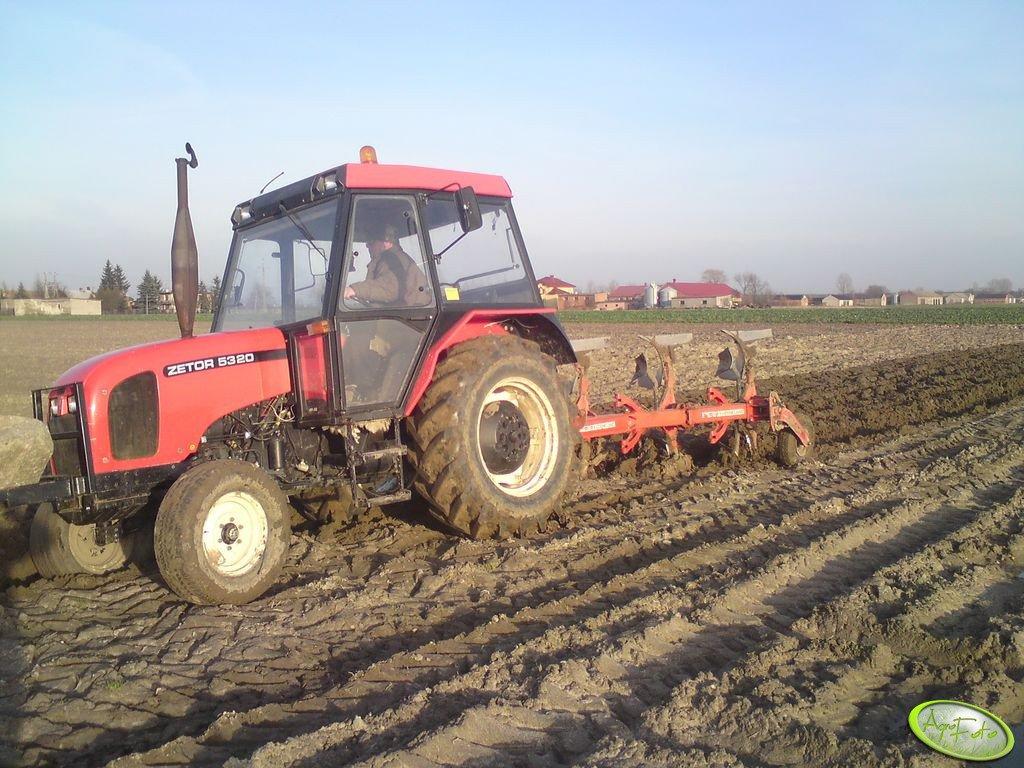 Zetor 5320 & Kverneland