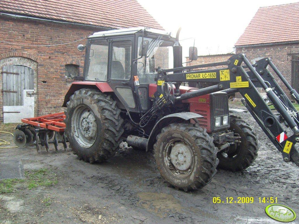 Belarus 892 + Akpil
