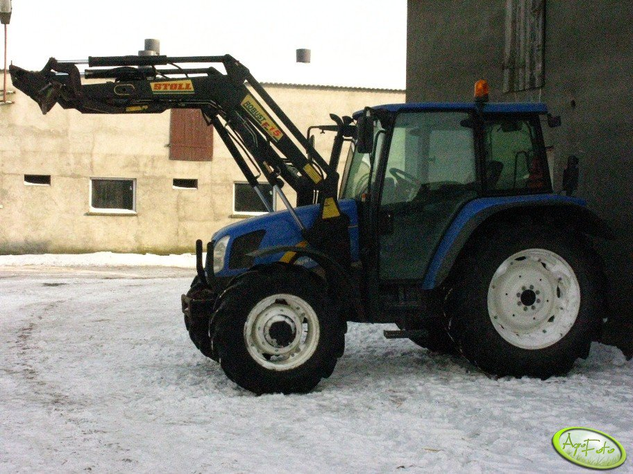 New Holland TL 90A + Stoll F15