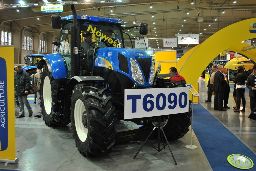 New Holland T6090