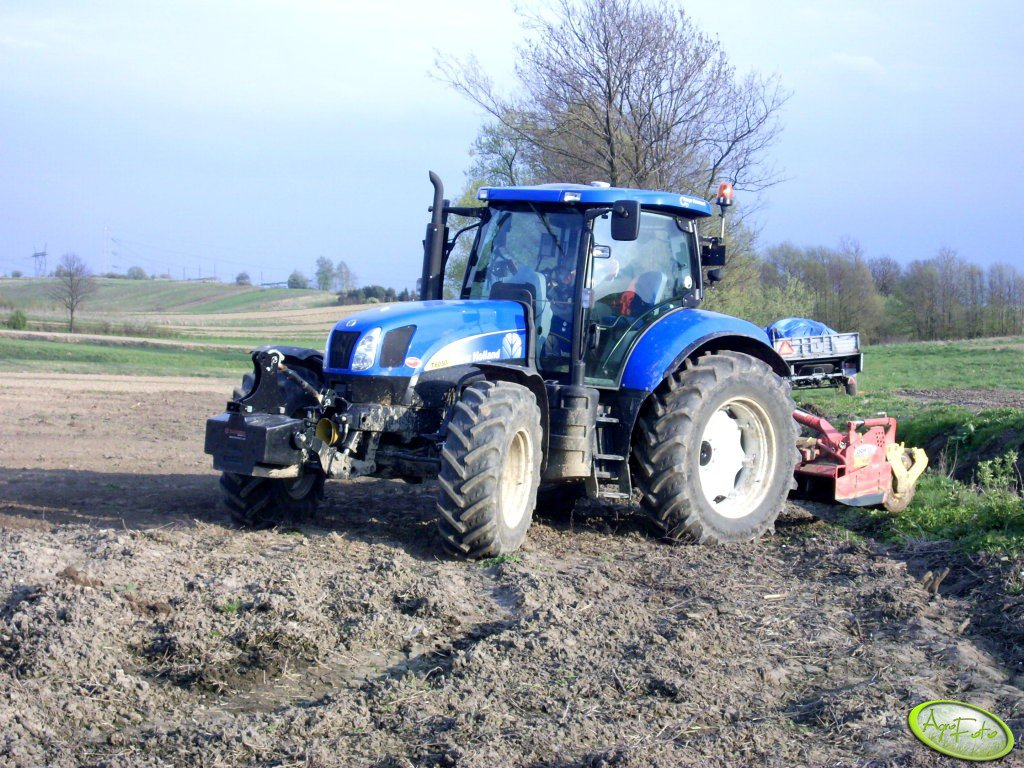 New Holland T6050 RC