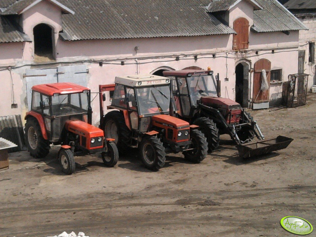 Zetor 7211 & Zetor 7745 & Ursus C-385A