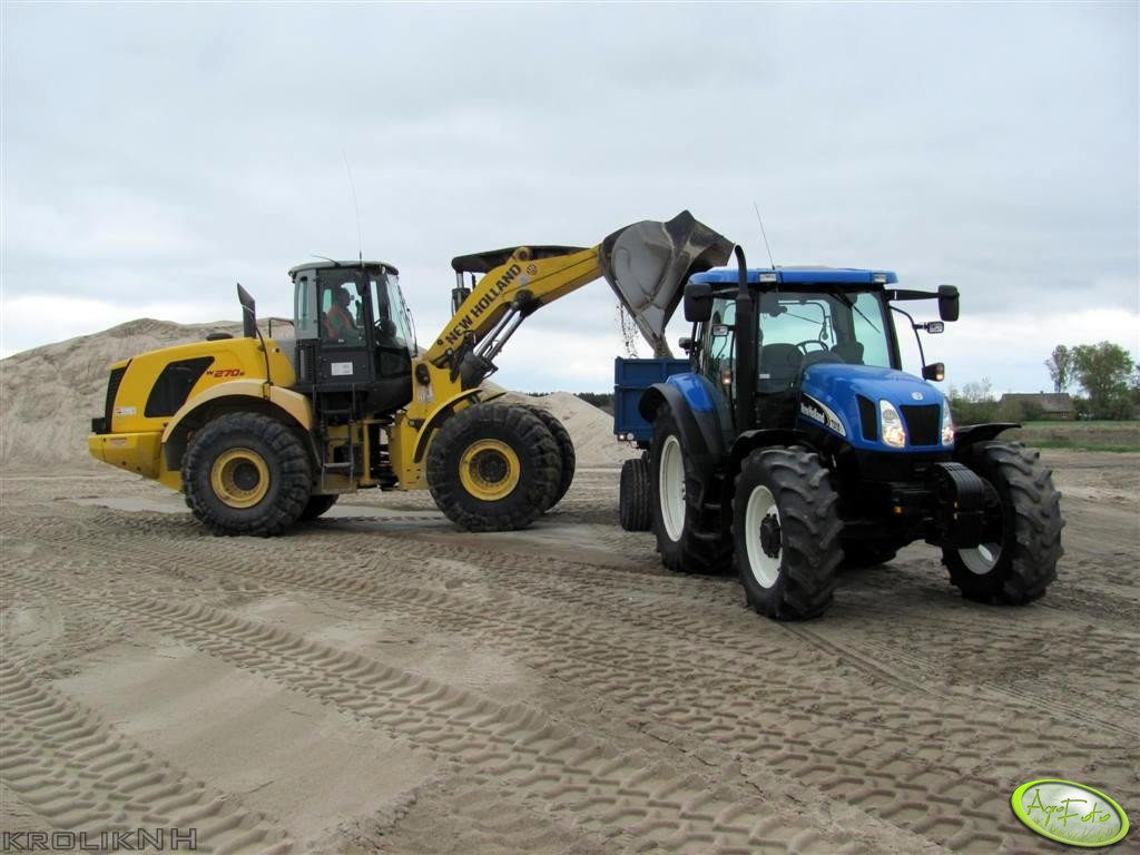 New Holland TS 115A + P78 S & New Holland W 270B