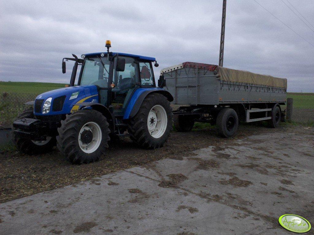 New Holland T5040 + przyczepa 11T