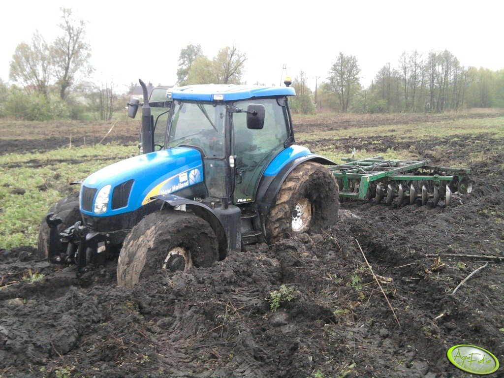 New Holland TS 125A