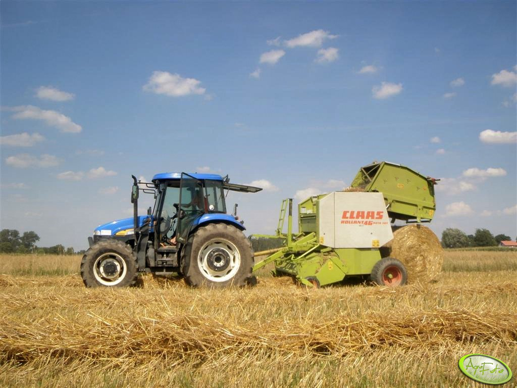 NH TD80D + Claas Rollant 46