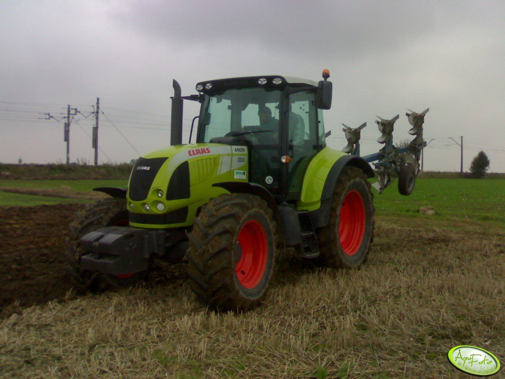 Claas Arion 620 + Frost Atlantic 3+1