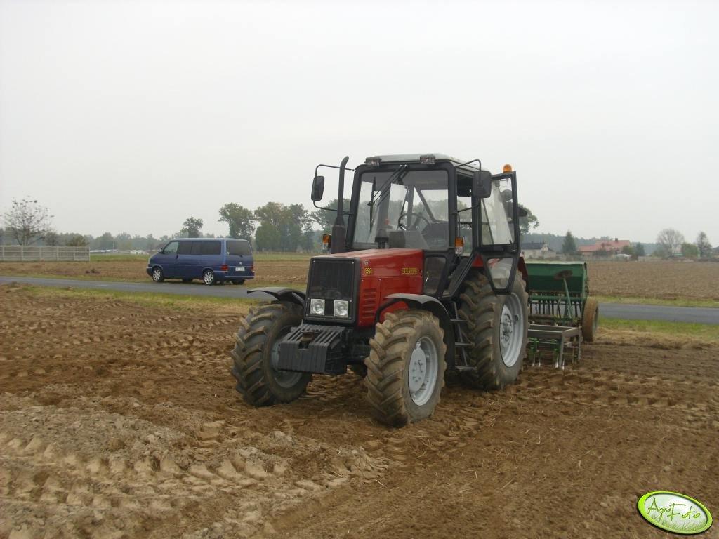 Belarus 820 i zestaw uprawowo siewny
