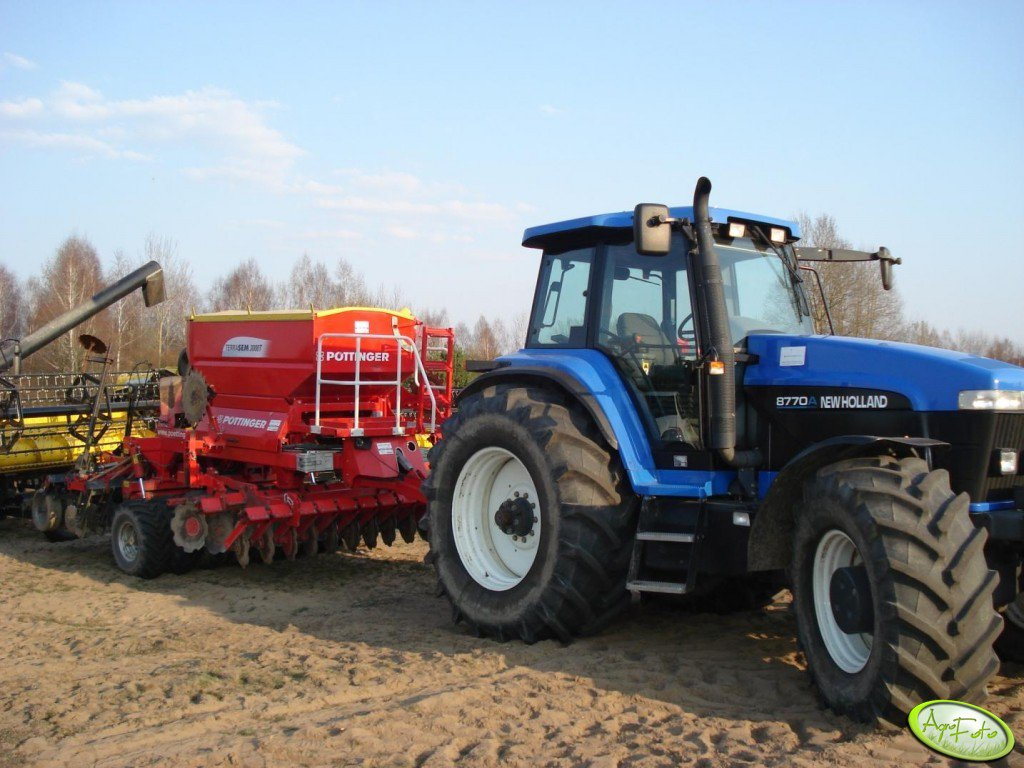 NH 8770 + Pottinger Terasem 3000T