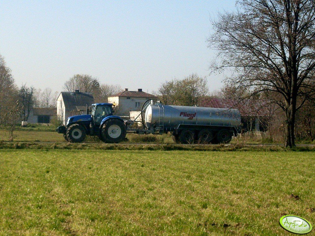 New Holland T7040 AC & Fliegl 22000L