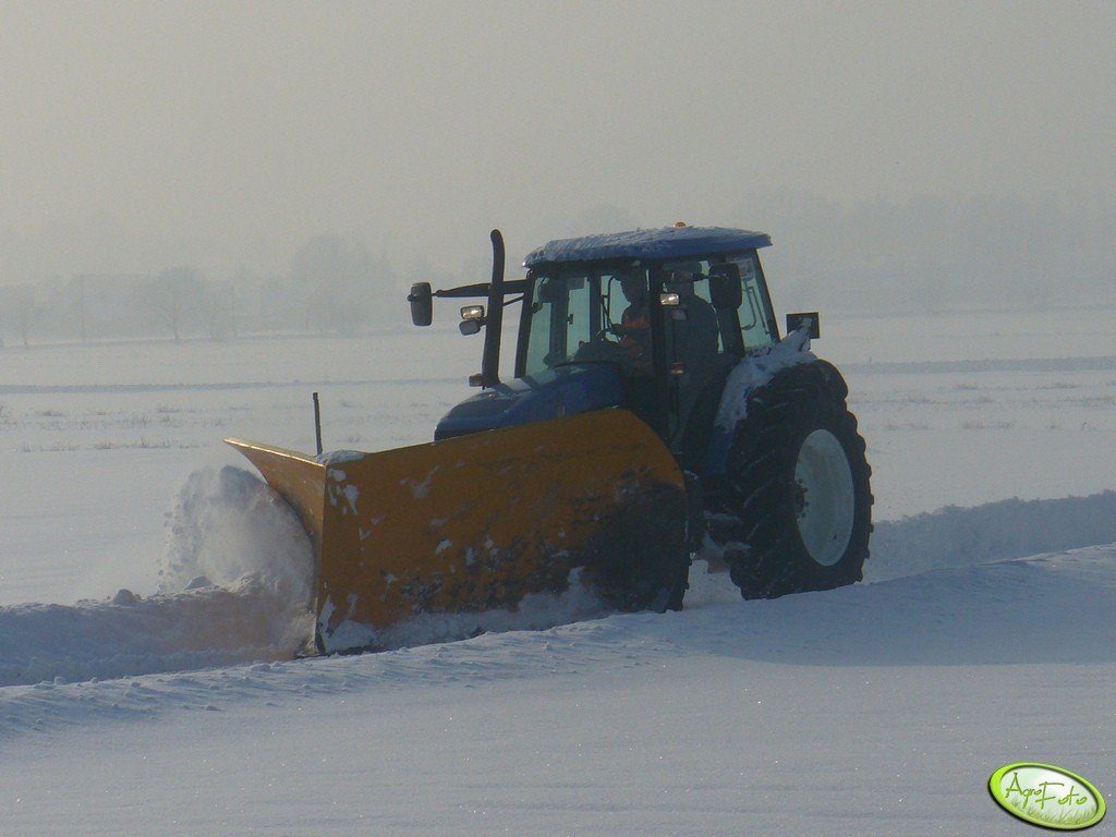New Holland & pług śnieżny