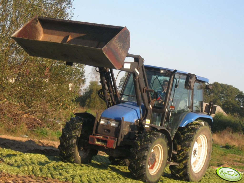 New Holland TL 100 + TUR 6