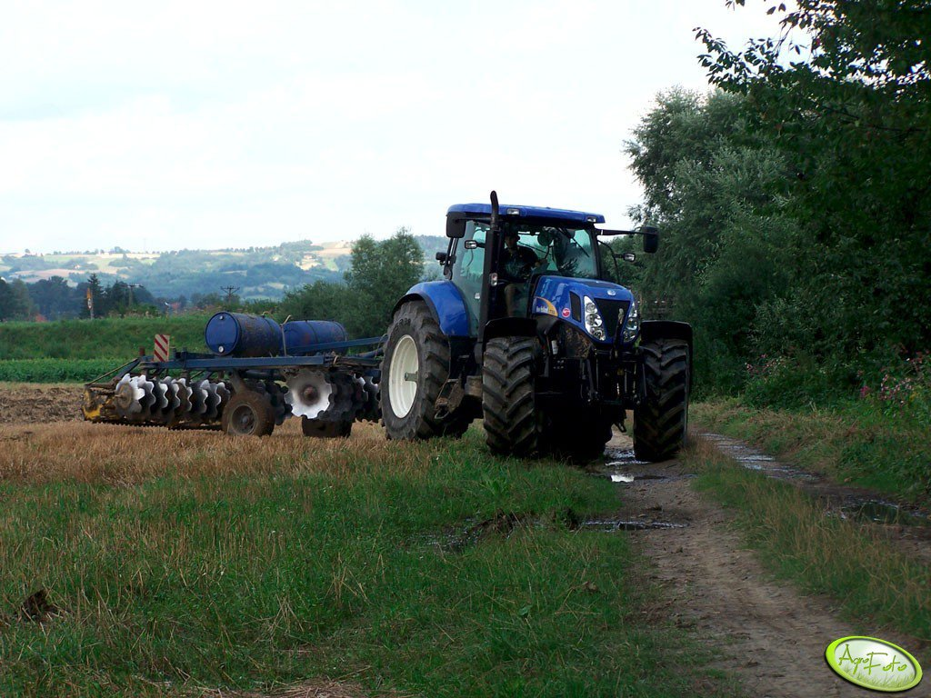 New Holland T7030 + BDT 3