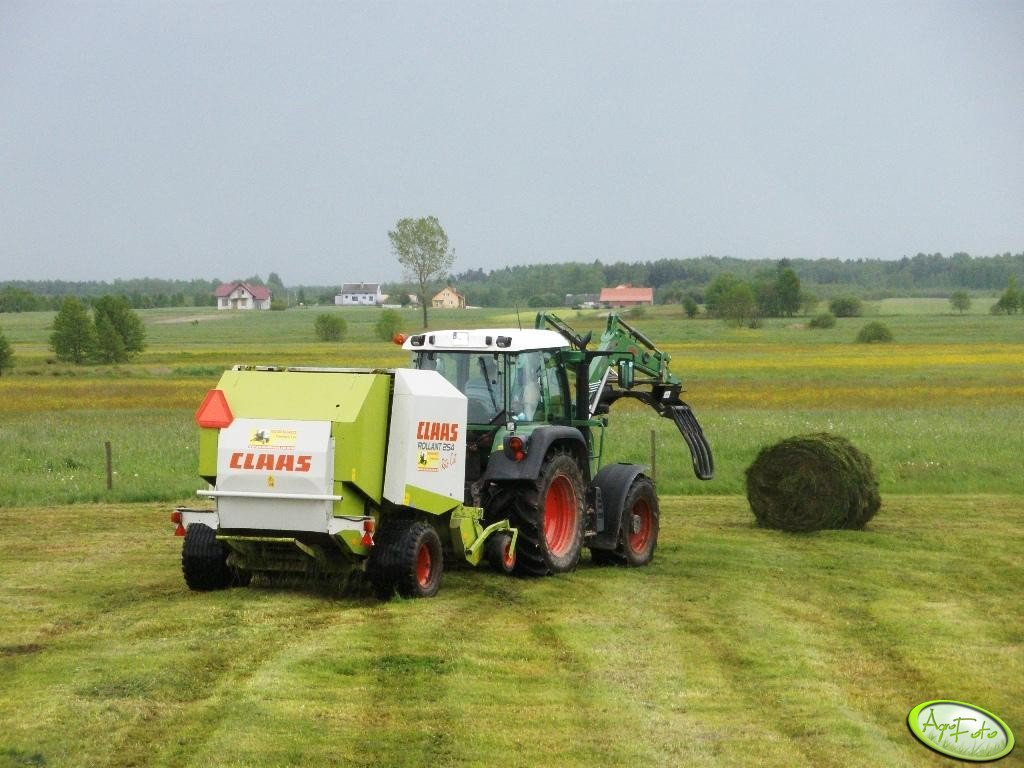 Claas Rollant 254 RC + Fendt 309 Vario TMS