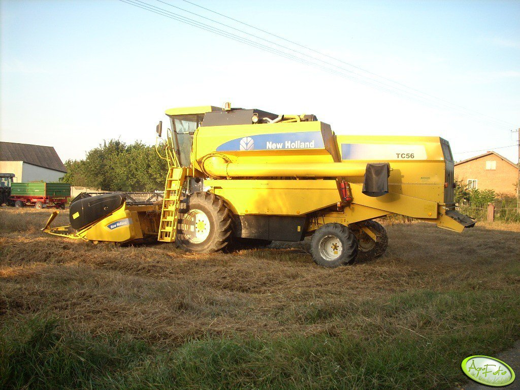 New Holland TC 56 RS