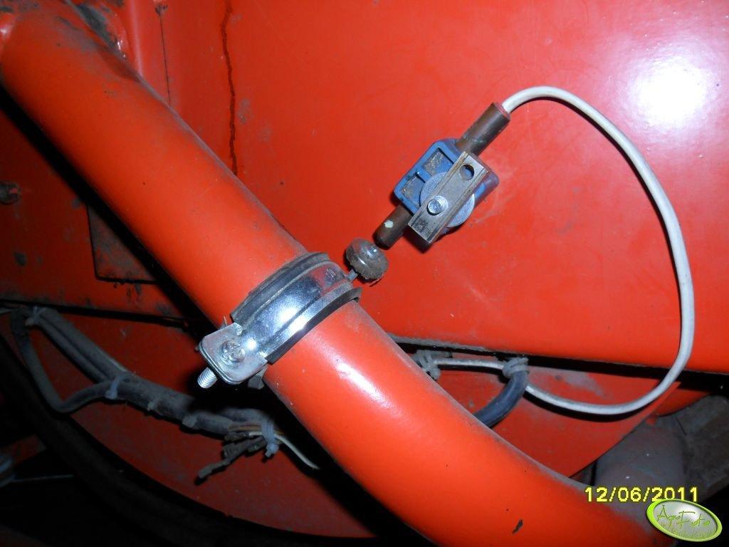 Czujnik impulsów do licznika kostek w prasie Sipma Z-224