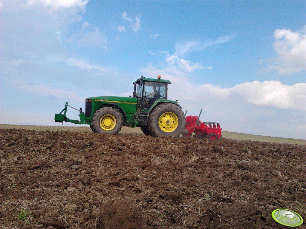JD 8100 + Kret plow