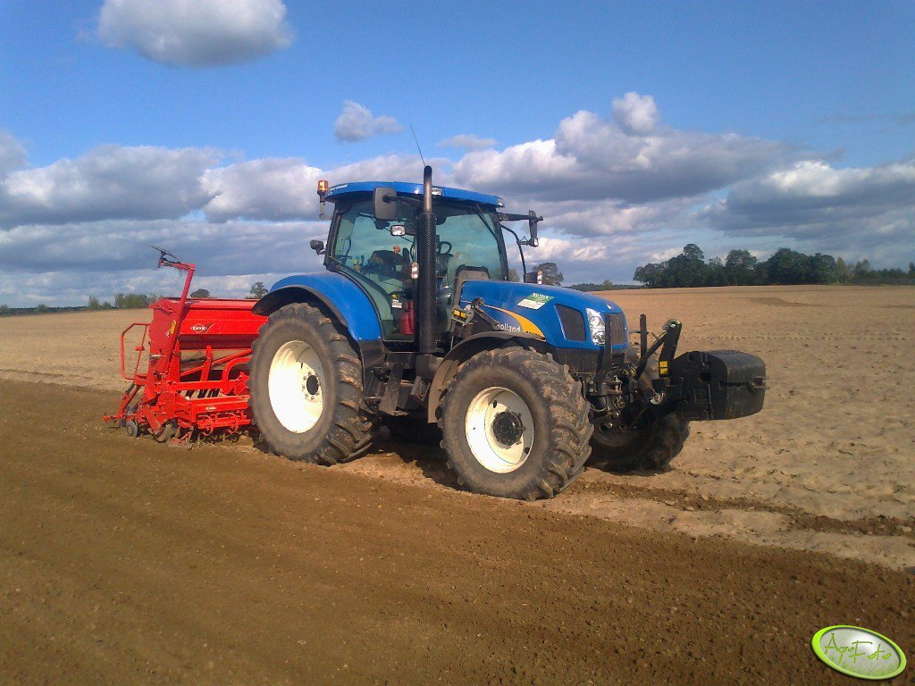 New Holland T6070PC + Kuhn