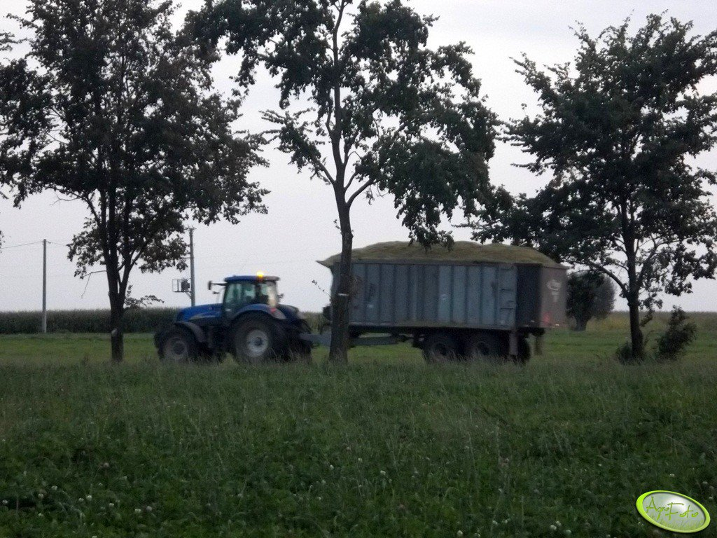 New Holland T7040 + Fliegl ASW286