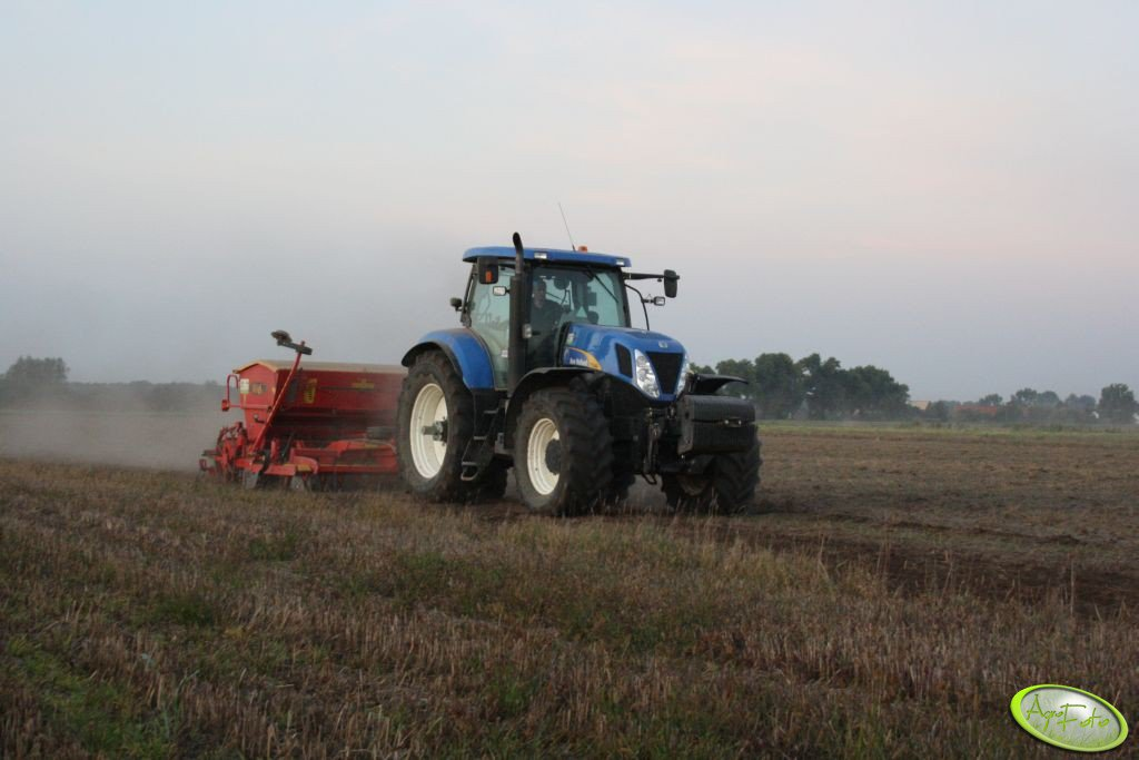 New Holland T7040 + Väderstad