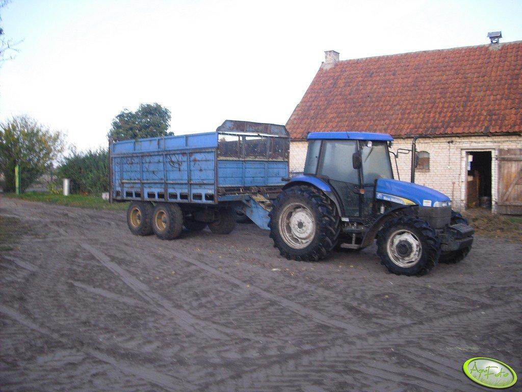 New Holland TD95D i rozrzutnik