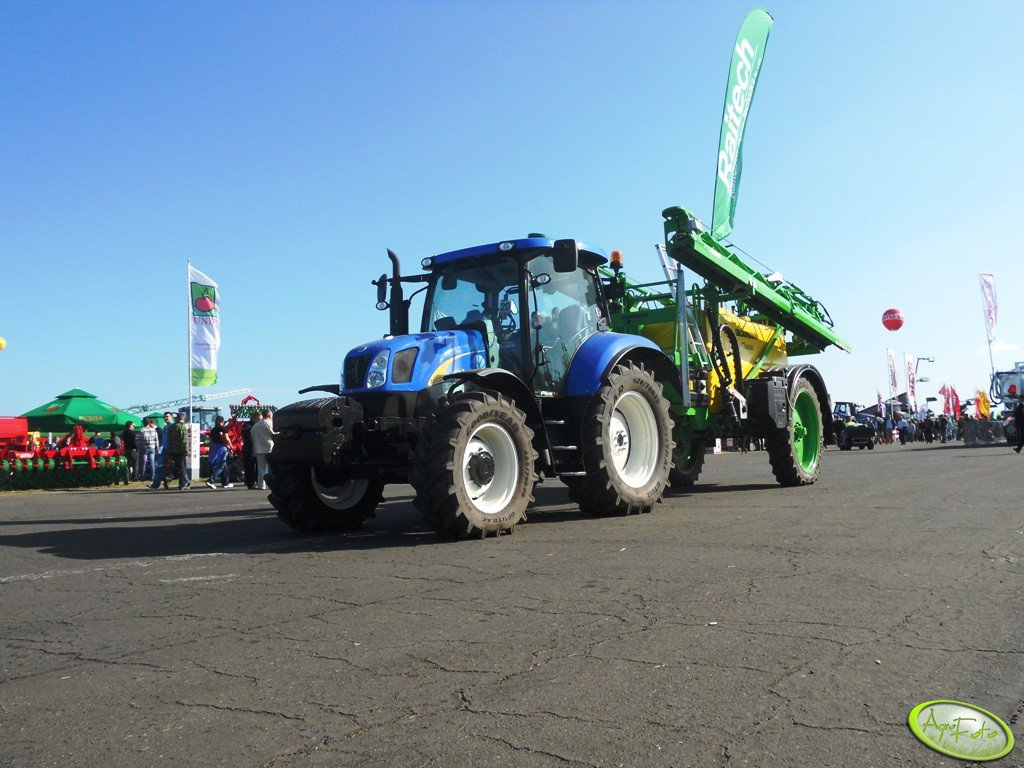 New Holland T6020 +