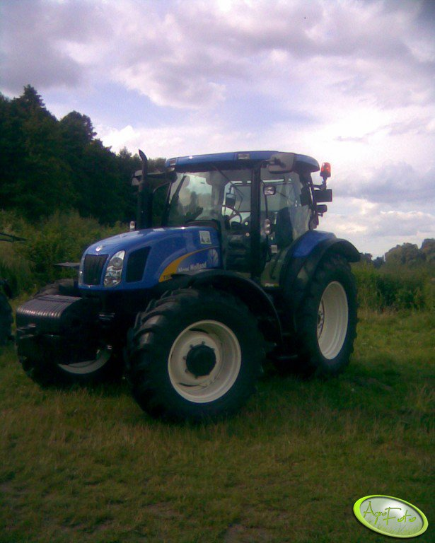 New Holand T6000