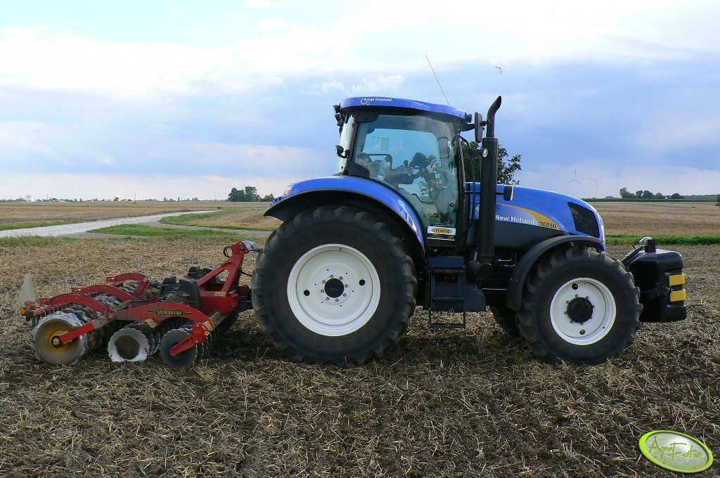 NH T6050RC