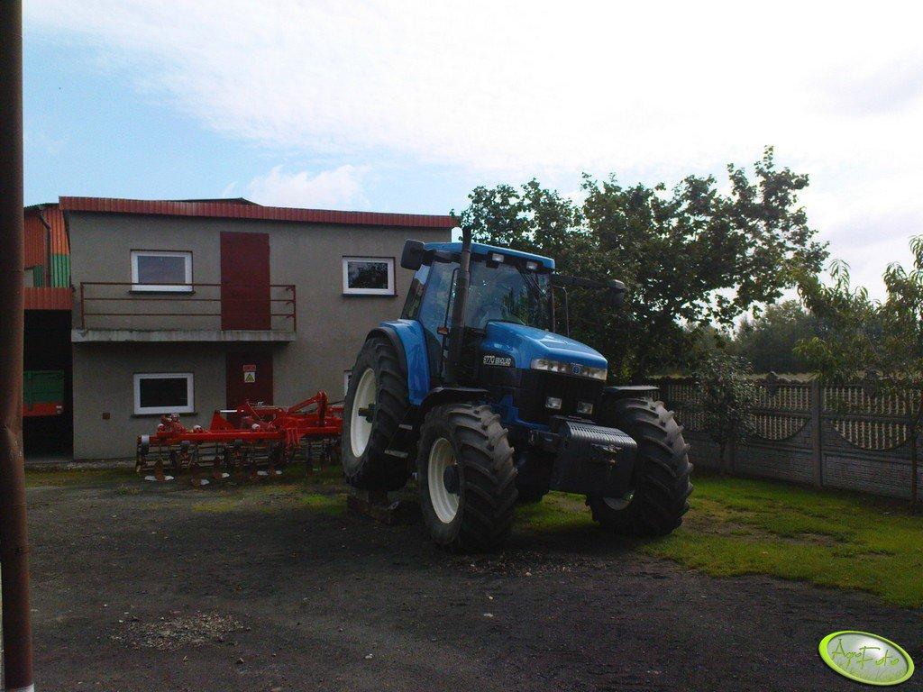 New Holland 8770