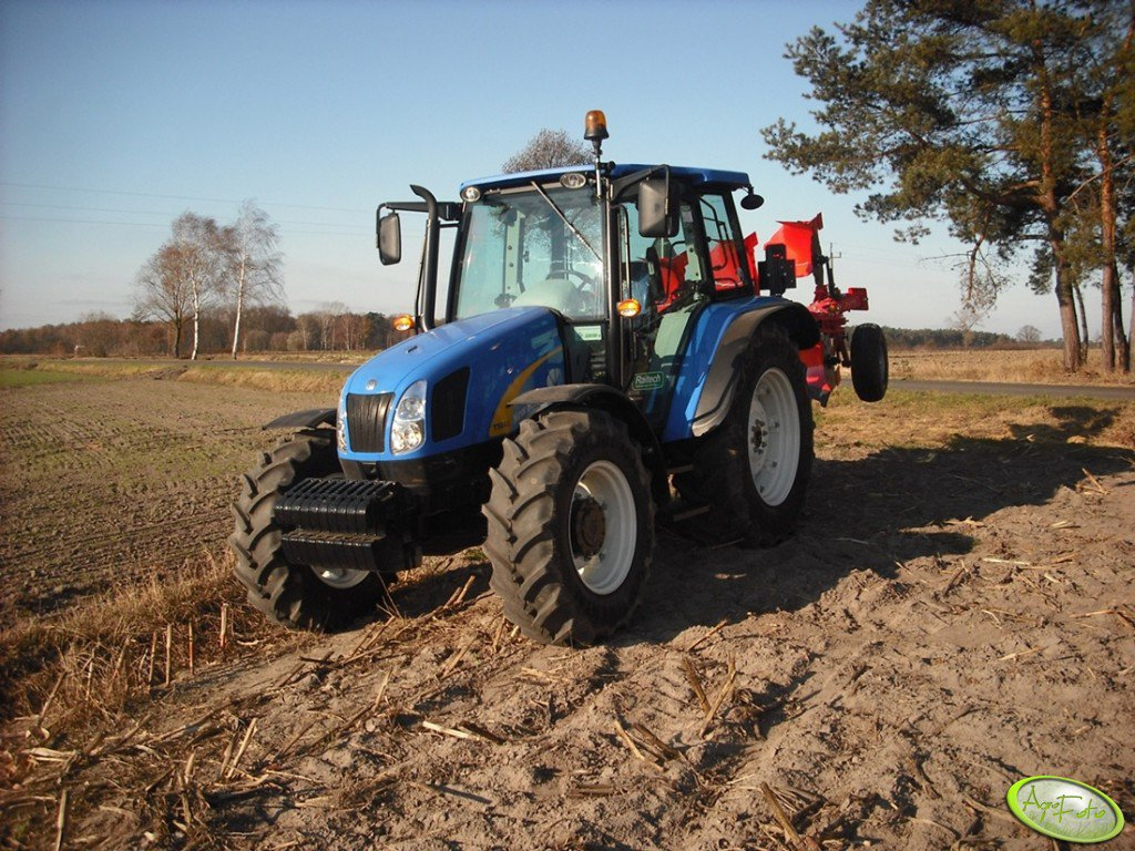 New Holland T5040 & Akpil KM80
