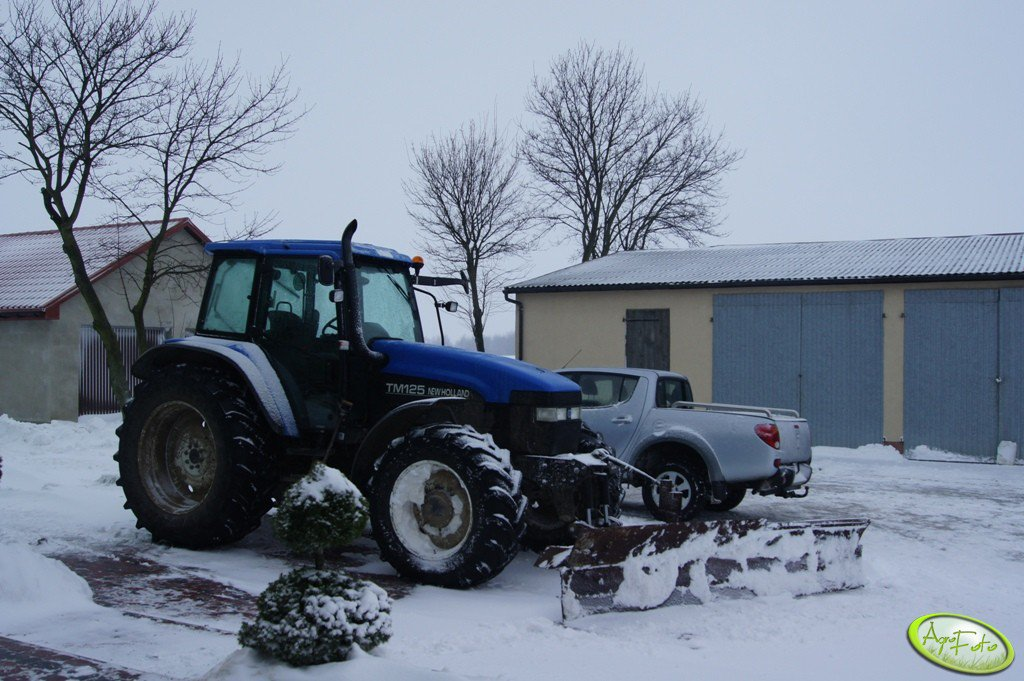 New Holland TM 125 i spych