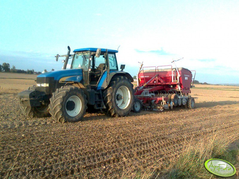 New Holland TM 175 + Konskilde