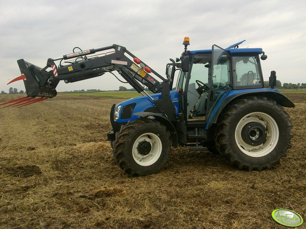 New Holland T5060 + Warfama Tur 6