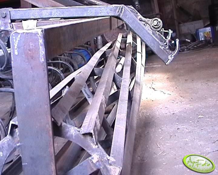 Agretgat uprawowo siewny -  wał
