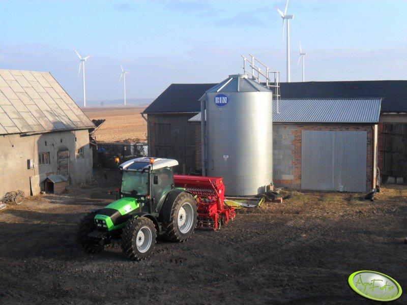 Deutz Fahr Agrofarm 430 TTV & Famarol Plus S400