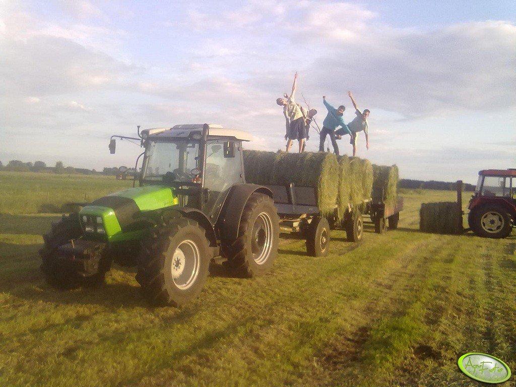 Deutz Fahr Agrofarm 420 GS + przyczepy
