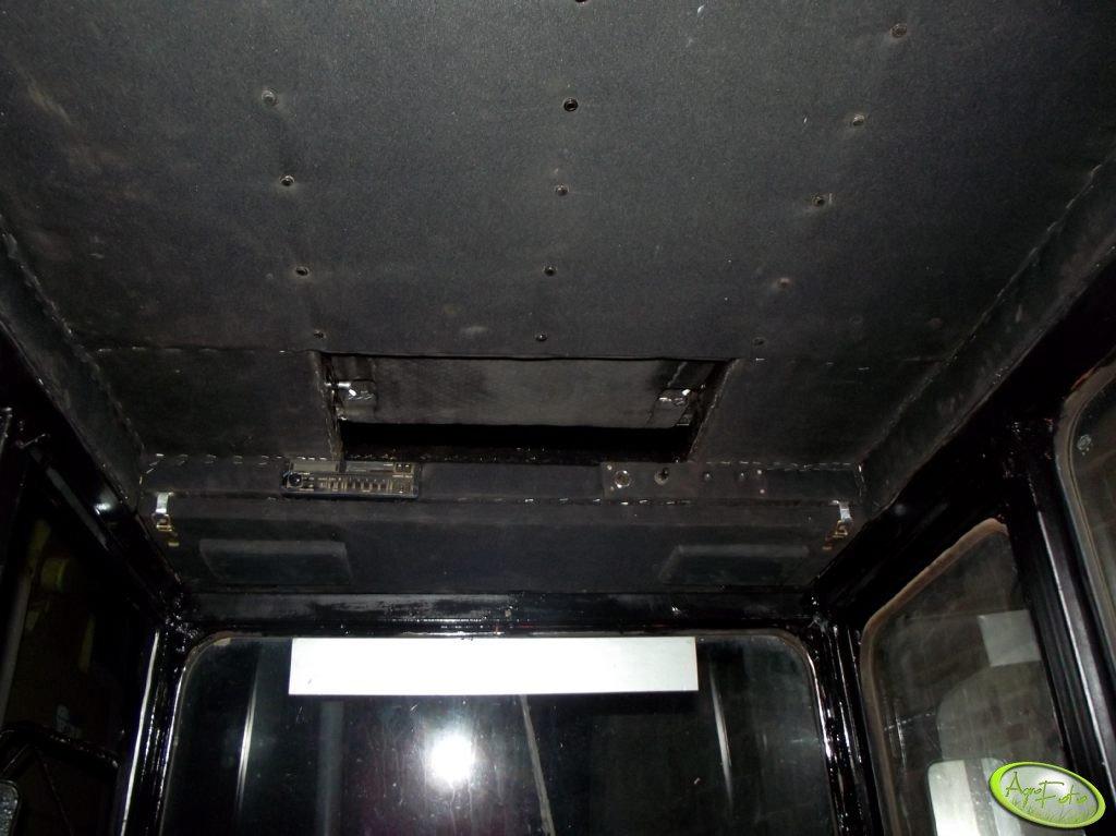 MF 255 - Półka na radio