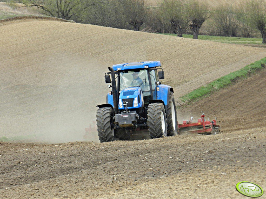 New holland T7530 + expom tornado