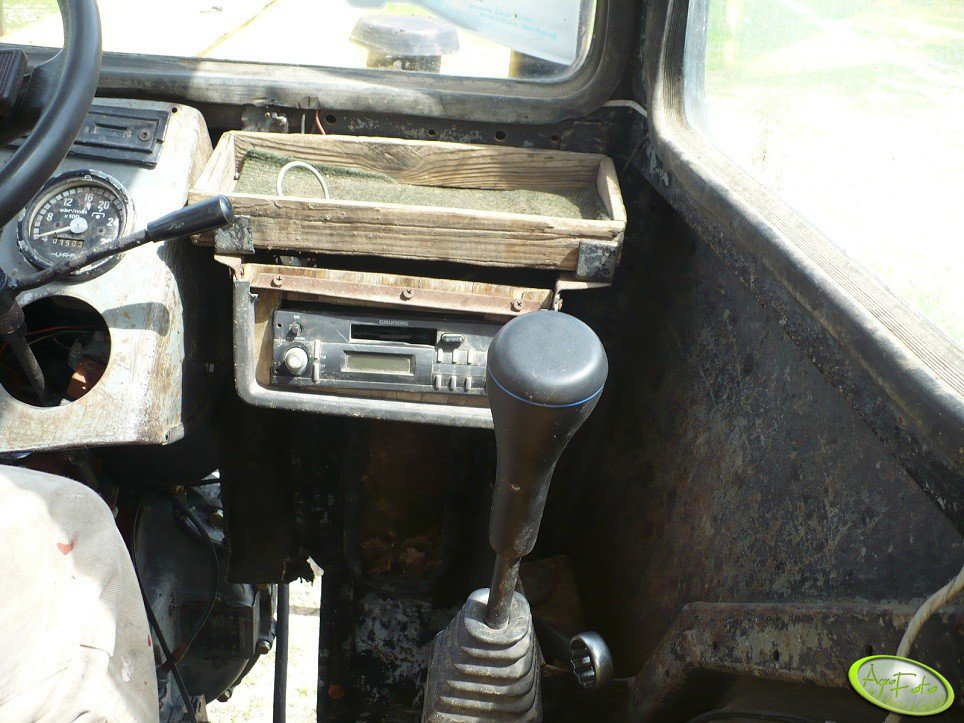 Radio i dżojstik w Ursusie C-330