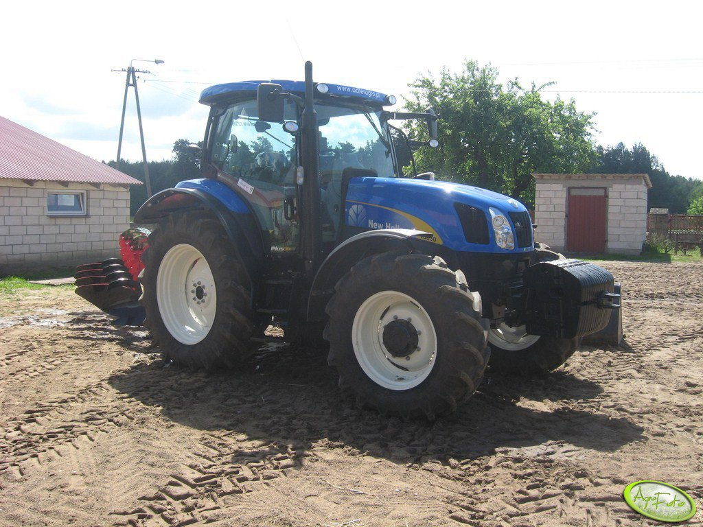 New Holland T 6030 PLUS & Unia Tur 40