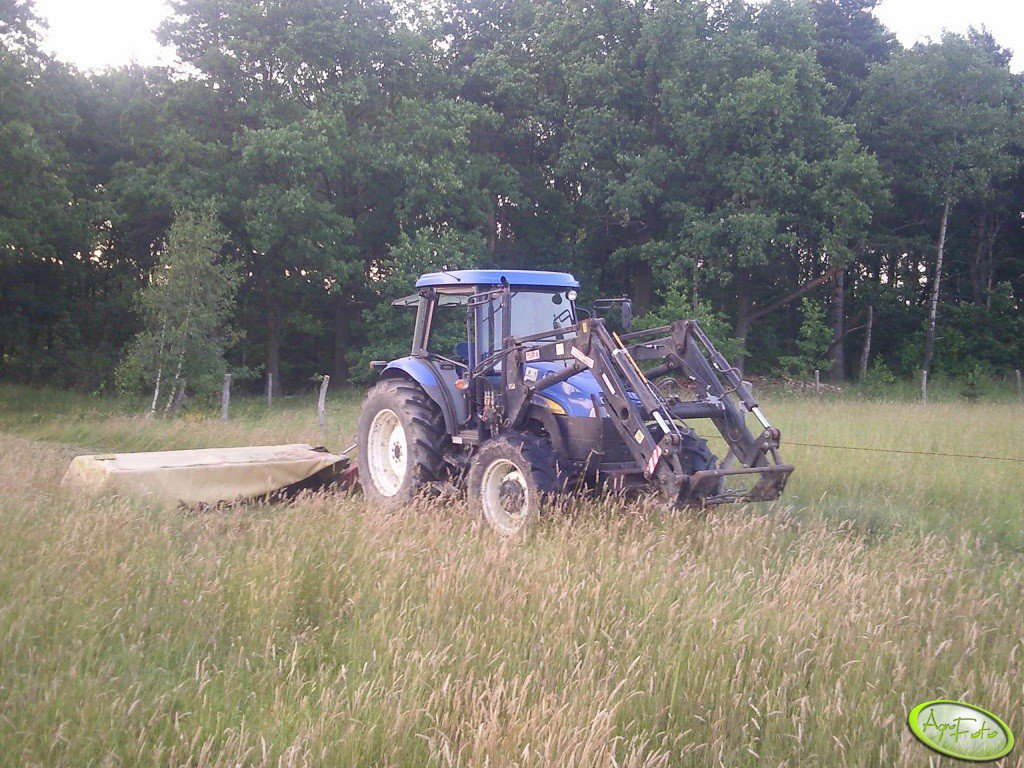New Holland TD5050 + Vicon