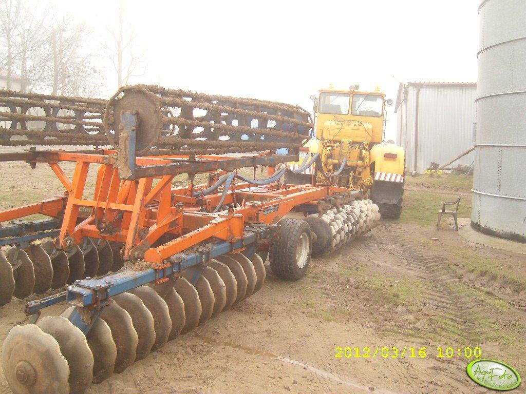 Kirovetz K 700A