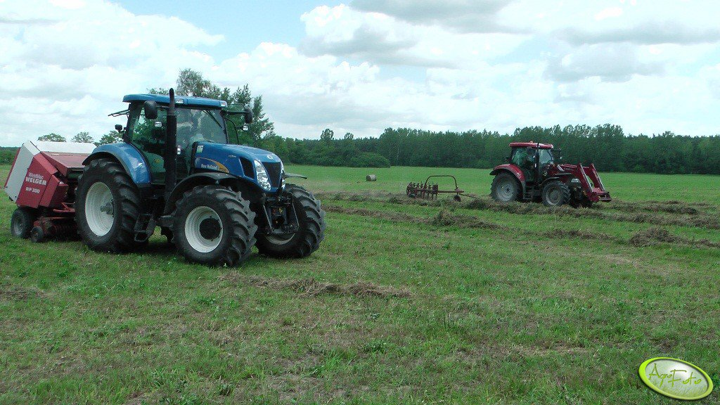 New Holland T7030AC + Welger RP 200