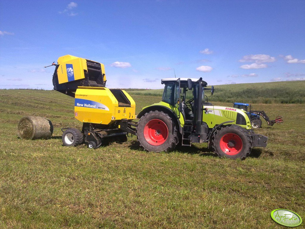 Claas Arion 620 Cis & NH BR7060