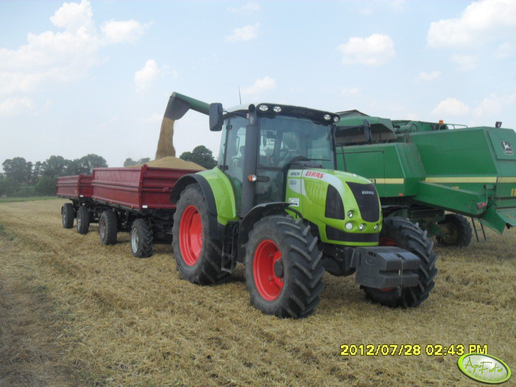 Claas Arion & JD 2256