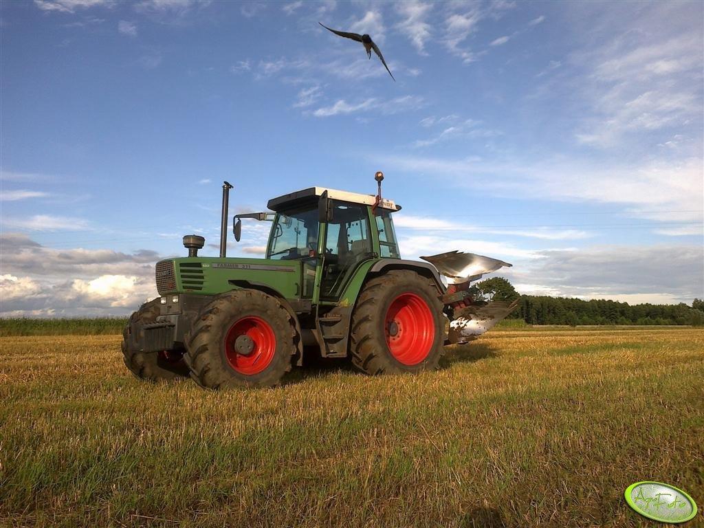 Fendt Farmer  311 + Kverneland EG85