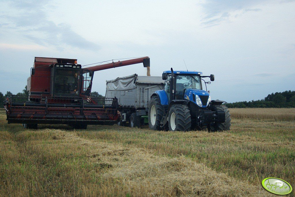New Holland T7030 AC  & Case IH 1680