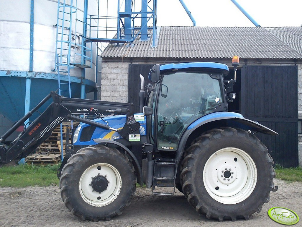 New Holland T6010 & Stoll Robust F30